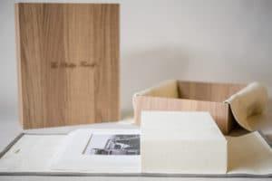 graphiStudio Portfolio box with five 8x10 mats