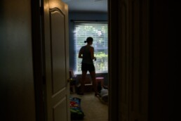 mom packs up house on moving day